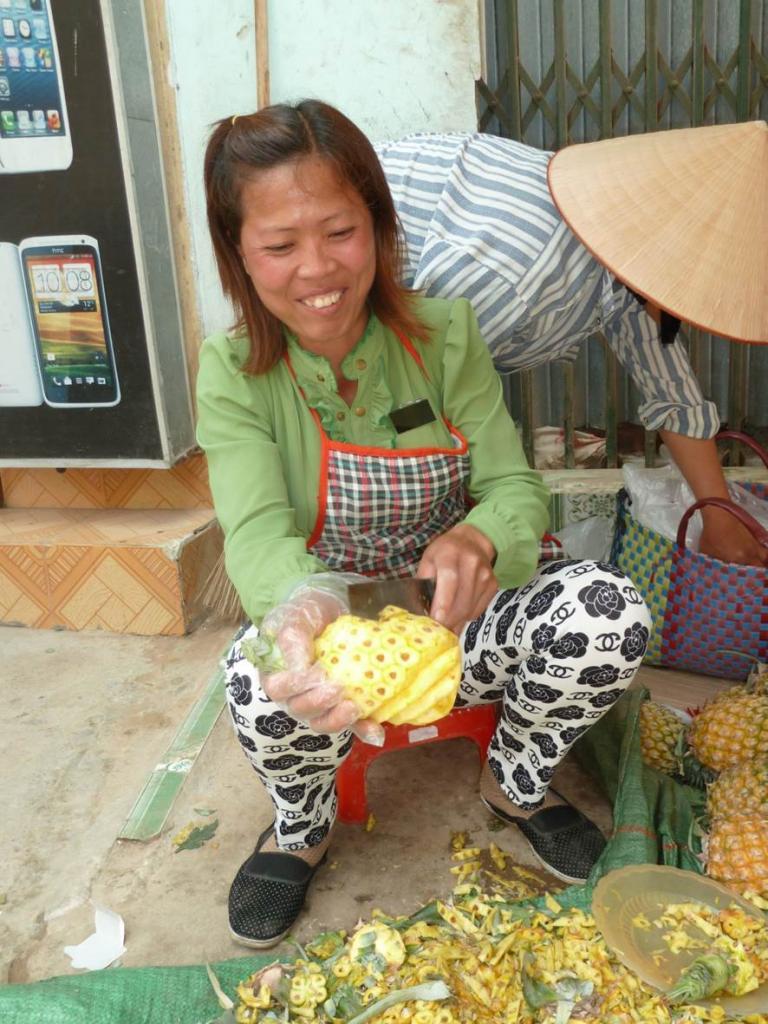 Découpe des ananas