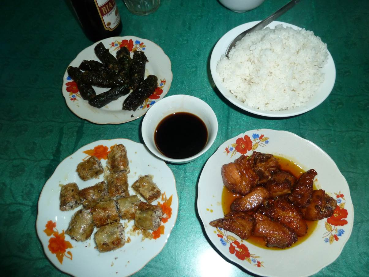 Assortiment: nems, nems noirs et porc au caramel