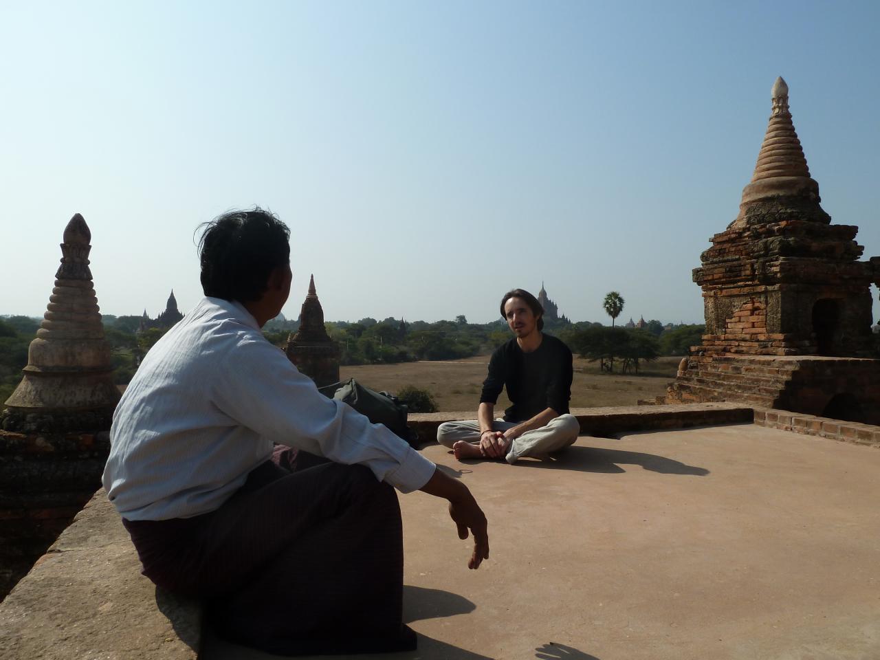 Au calme, terrasse d'un temple